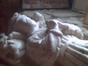 Tomb of Edward of Middleham at Sheriff Hutton by Steve Kent [CC BY-SA 2.0 (http://creativecommons.org/licenses/by-sa/2.0)], via Wikimedia Commons