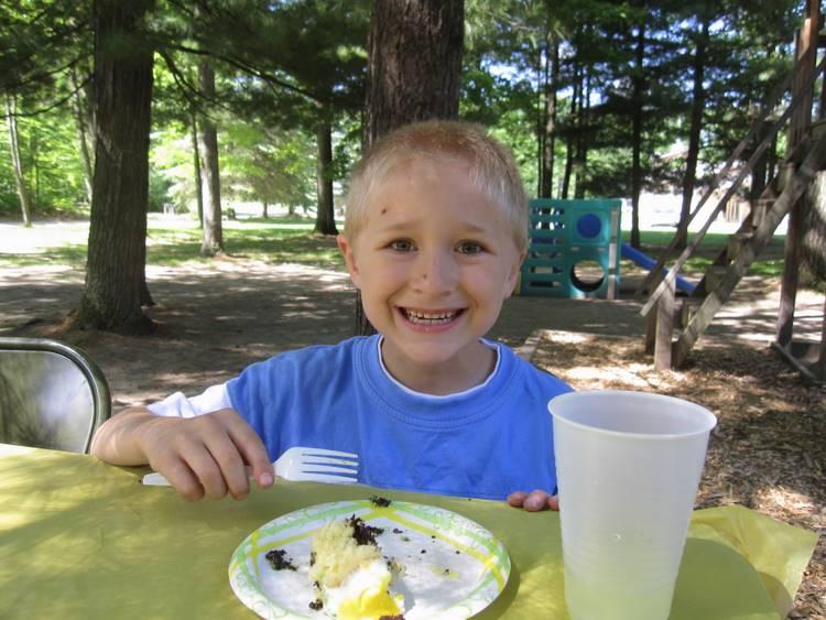 Josiah likes cake