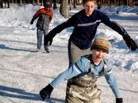 Josiah, Luke and Nick skating