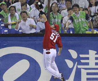 鈴木誠也のナイスプレーにネットほっこり「株がまた上がってしまった」