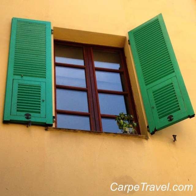 windows in menton