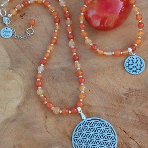 parure collier et bracelet cornaline naturelle orangée avec fleur de vie confiance
