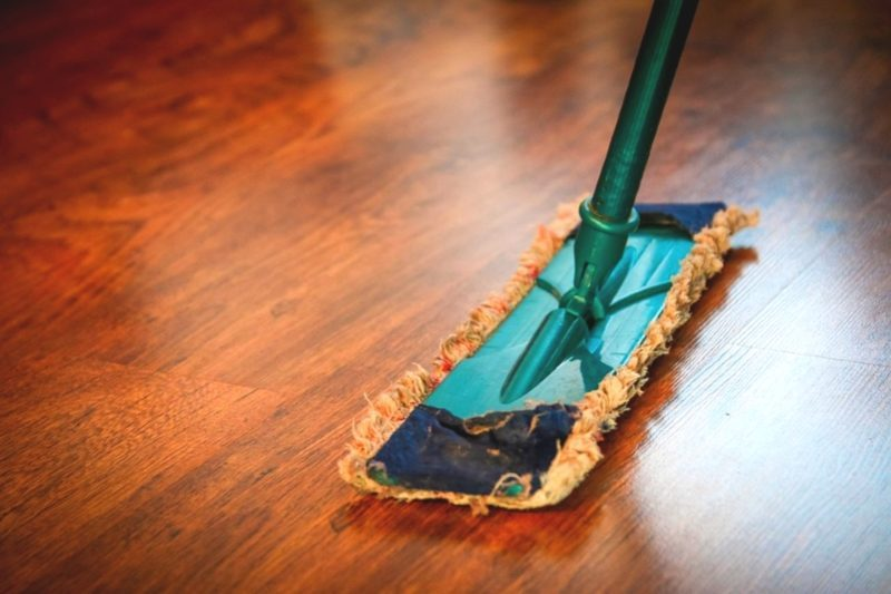 Commercial-hardwood-cleaning