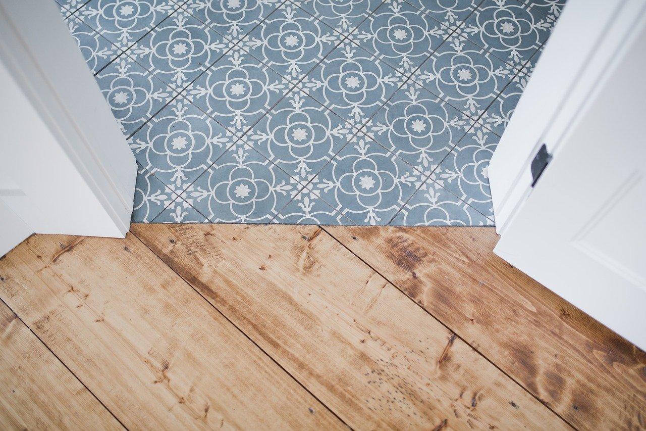 ceramic tile vs vinyl plank flooring