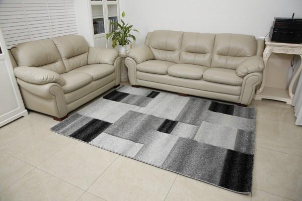 שטיח אומגה דגם קוביות שחור לבן