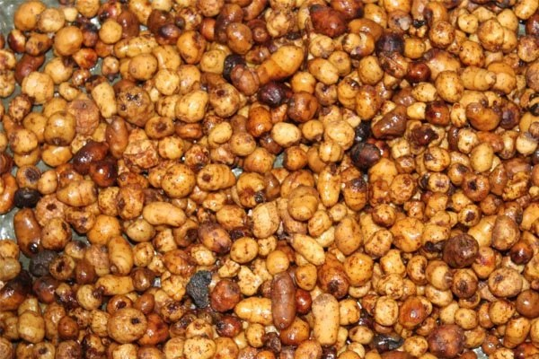 Carp fishing with tiger nuts