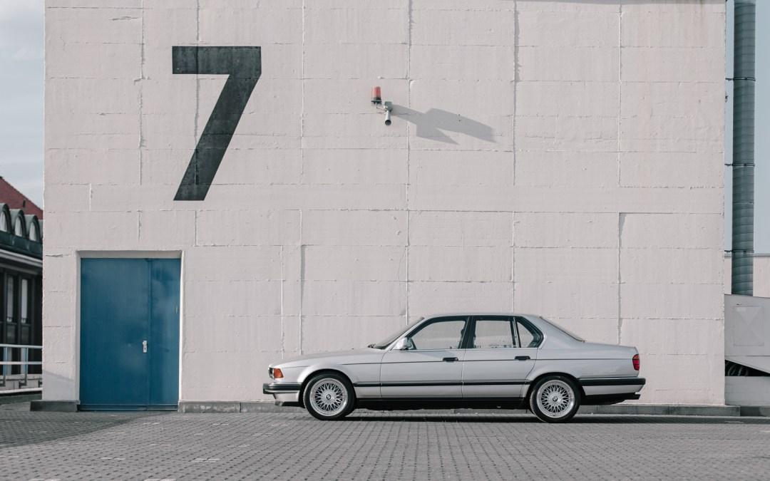 The Smoothness of a Classy V12: Oliver and his BMW 750i