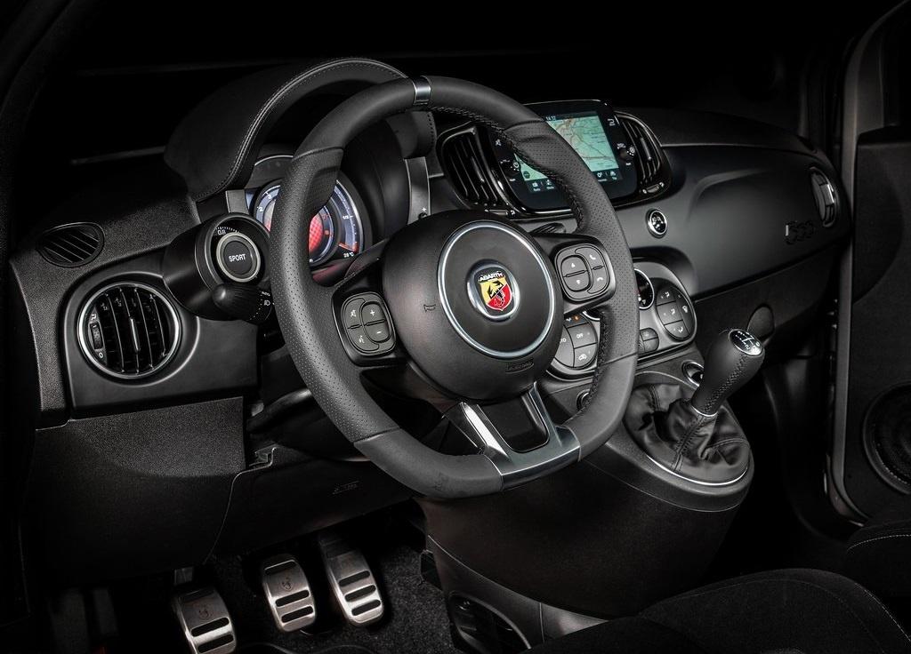 2022 Fiat F595 Abarth