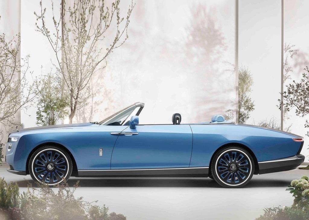 2022 Rolls-Royce Boat Tail