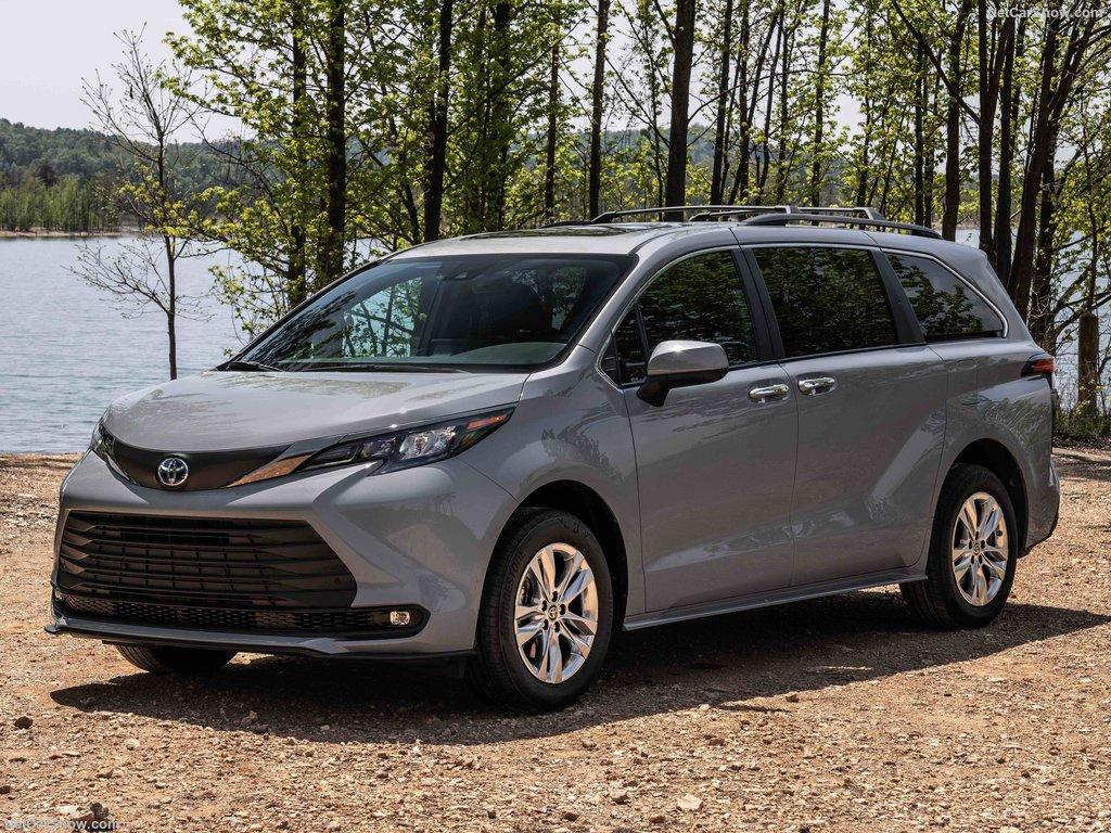 2022 Toyota Sienna Woodland Edition