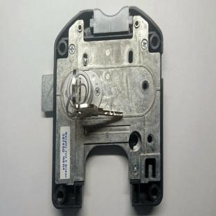 Cerradura con llave para taquillas de paneles fenólicos