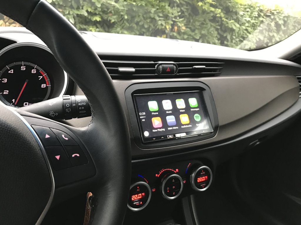 CarPlay Installs: Alpine iLX-700 in an Alfa Romeo Giulietta