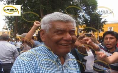 """Ex Decano de la Facultad de Educación de la U.N. """"San Luis Gonzaga"""", Manuel Bernaola Ramos."""