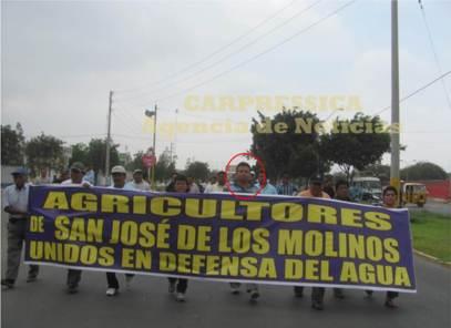 """Alcalde de Los Molinos apoyando la marcha en contra del proyecto """"Agua para Ica"""". El burgomaestre emprendió cabildo y movilizaciones para defender el uso del agua"""