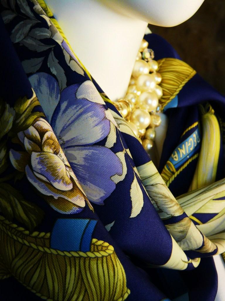 Regina Hermes, Detail