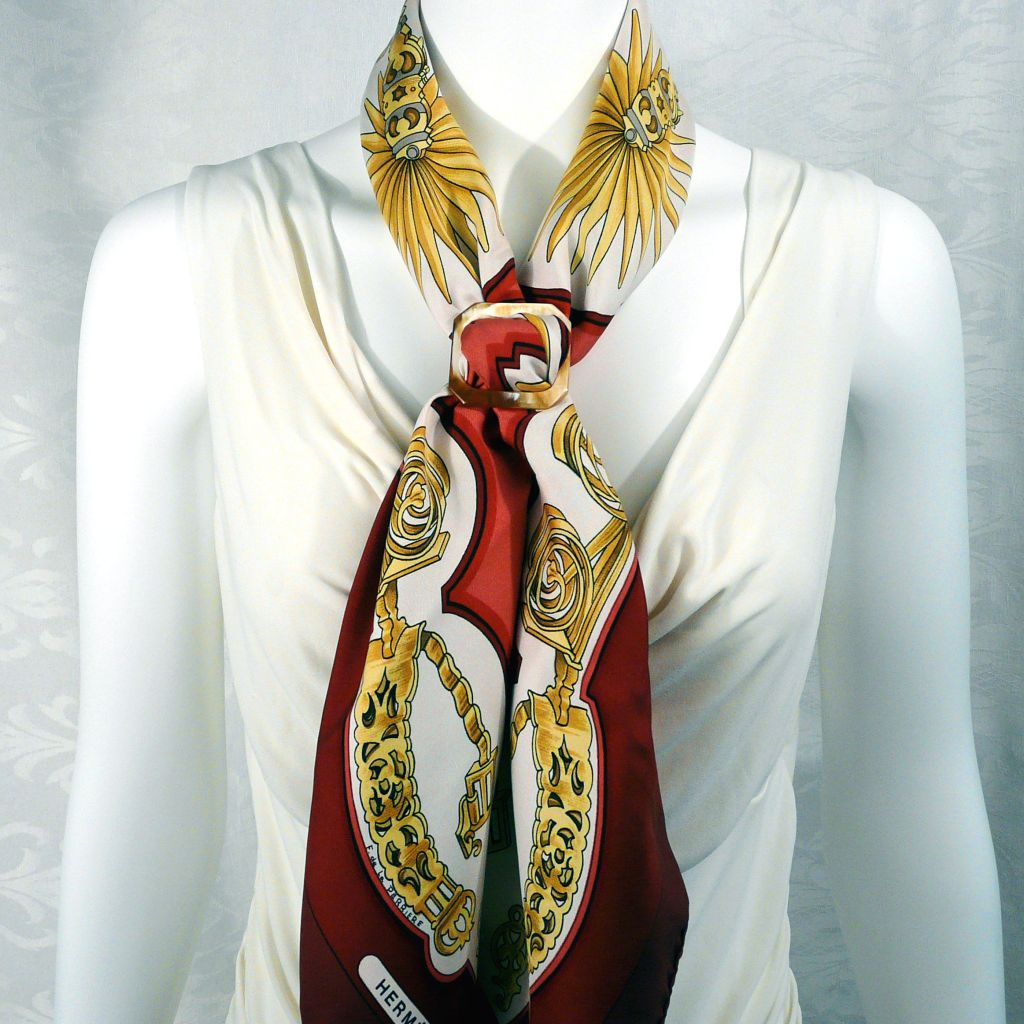 087cfd7d362 Eperon d Or HERMES Scarf with Boucle Anneau Horn Scarf Ring Carre de Paris
