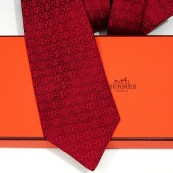Faconnee Jacquard H and Stirrup Hermes Silk Tie Red