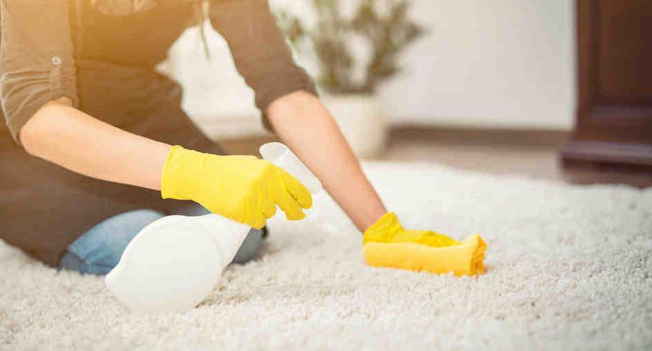 comment nettoyer un tapis avec du