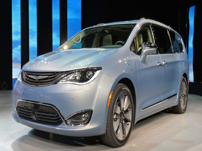Upcoming New Car Models Philippines 2017 Chrysler Pacifica Hybrid Starts At 43090 Or Just Over