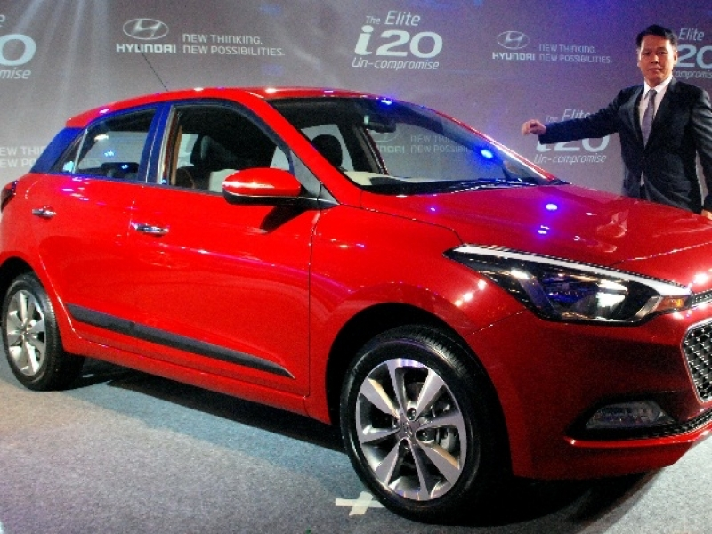 Hyundai I20 Price India Hyundai Launches Elite I20 Price Starts At Rs 49 Lakh Business