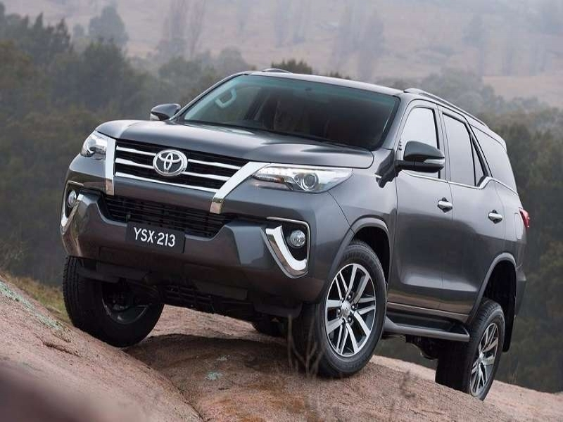Latest 2017 Toyota Cars Price New Toyota Fortuner India Price Specifications Mileage
