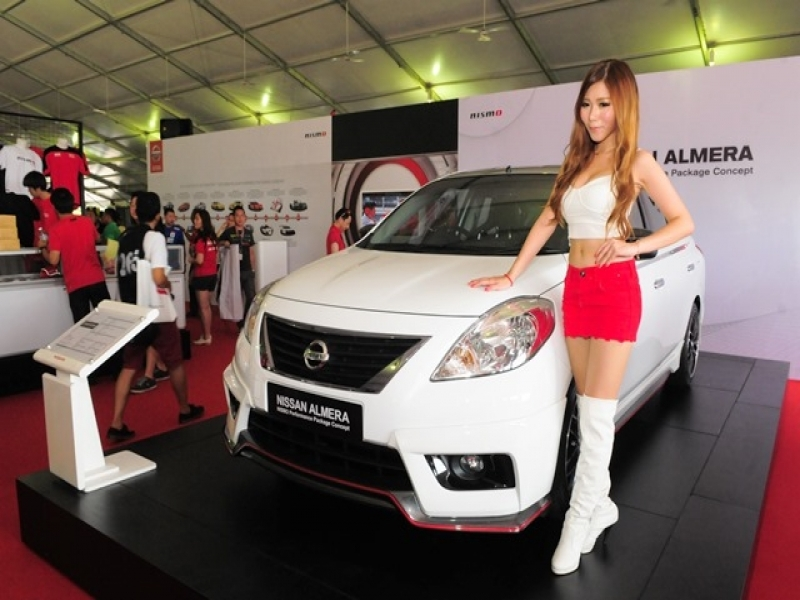 Latest Car Models In Malaysia Model Poses With The Nissan Almera Nismo Motor Trader Car News