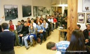 GTP 2013: Primeras personas del público en llegar a la charla de Nerea Martínez. El centro acabó abarrotado entero.