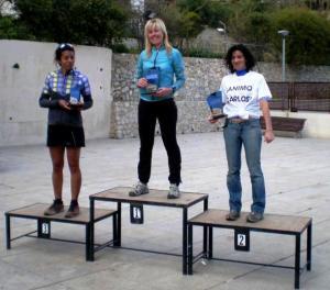 Teresa Nimes campeona Maraton Montaña Finestrat 2013 . Podio con Carmen Martínez y Verena Atalantas.