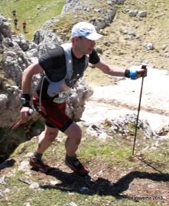 Brooks cascadia 8 llegando a la cima del Aizkorri en la Zegama 2013.
