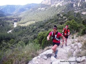Xari Adrián (1ª) y Sonia Escuriola (7ª) en el training camp CSP115