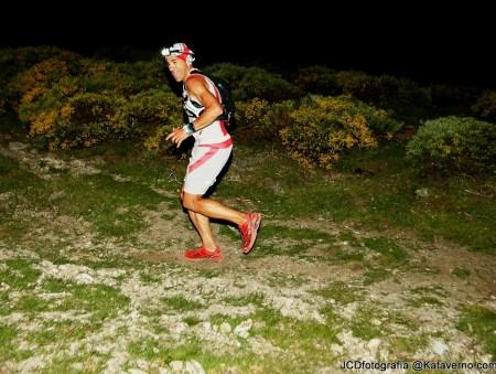 Pedro Bianco subiendo a Maliciosa en Gran Trail Peñalara 2013