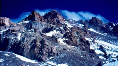 Aoncagua: Ruta de ascensión desde los 6.000m del Campo Berín hacia cima. Foto: Mayayo.