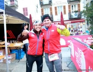 Luz Pérez y Mayayo celebrando en la meta UTMB168k de Chamonix.