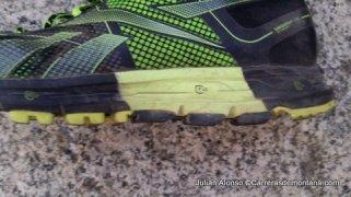 Zapatillas trail running Reebok One Cushiondetalles de las diferentes densidades de la suela