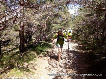 Carreras Montaña Madrid: Julián Alonso ascendiendo de vuelta hacia Abantos