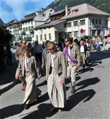 guias de montaña fiesta en chamonix mont blanc (2)