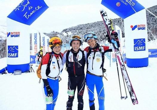Laetitia Roux Axelle Mollaret y Maude Matthys en Copa mundo skimo. Foto ismf
