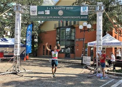 Dani Osanz Campeón del Mundo Junior skyrace @fedm_es