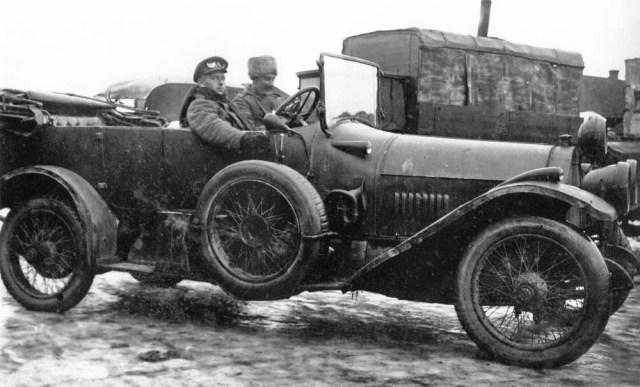 Автомобиль Pierce-Arrow в Русской Императорской Армии.  Водитель Oskar-Leonhard Õiglane Петроград.