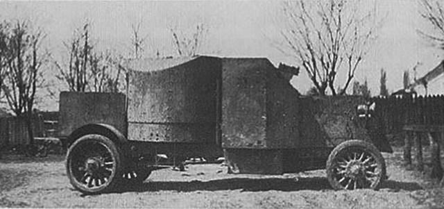 Бронеавтомобиль Пирс-Эрроу Британского бронедивизиона в России после ремонта.
