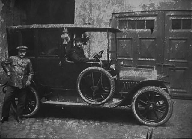 Руссо-Балт C24/40 с кузовом ландоле.