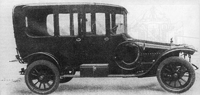 1913 Руссо-Балт-С24-40  XIII серии с кузовом полный лимузин оборудованным панорамным ветровым стеклом. принца Ольденбургского