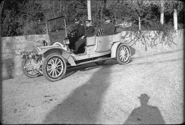 1909.  Автомобиль Delaunay-Belleville  Великого князя  .Александра Михайловича около Санкт-Петербурга.