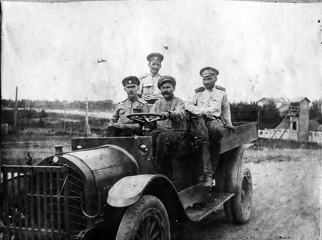 1916. 1,5-тонный грузовик Jeffery 10\16 из состава одной из автомобильных рот Русской армии.