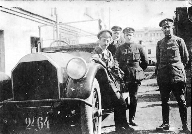 1915-1917. Автомобиль Митчел Всероссийского земского союза.