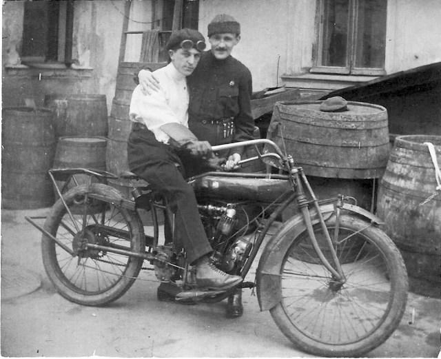 1910-е Мотоцикл  Indian Москва