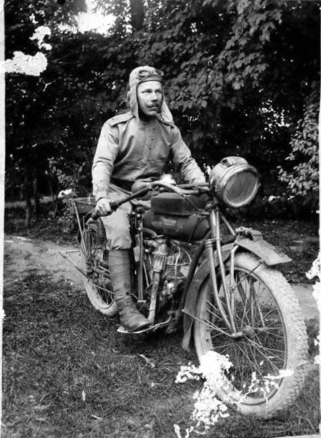 1916. Галкин А.Г. на мотоцикле Indian. Русская Императорская Армия. Личковцы.