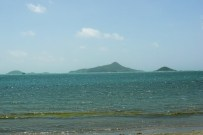 From the coastline of Jew Bay, the three smaller islands east of Carriacou.