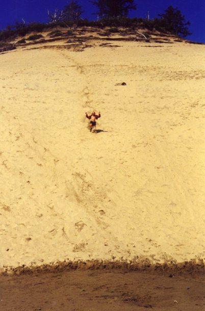 2 Sep 1999 Monty running down Cape Kiwanda