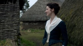 "Claire ""rather idle""; Highland Folk Museum, ep105. Image STARZ Sony Pictures Television, via Outlander-Online.com"